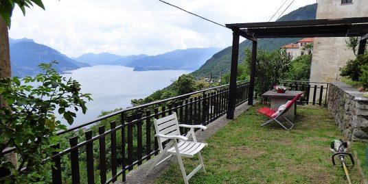 House San Siro with Lake Como view