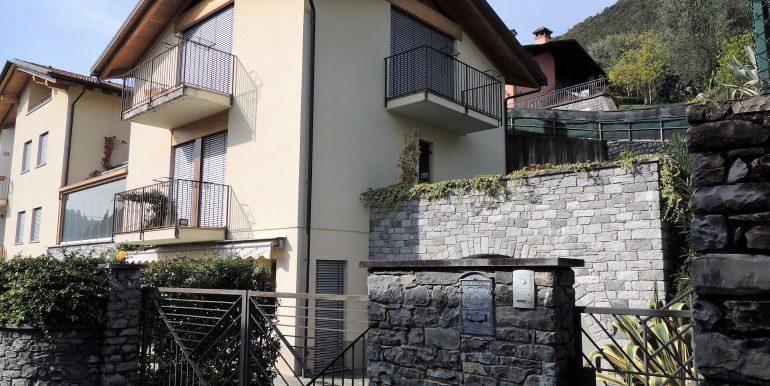 aMC063C - Lago Como TRemezzina località Mezzegra villa vista lago (29)