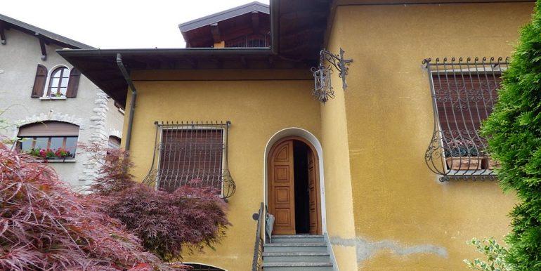 House Menaggio with garden and garage