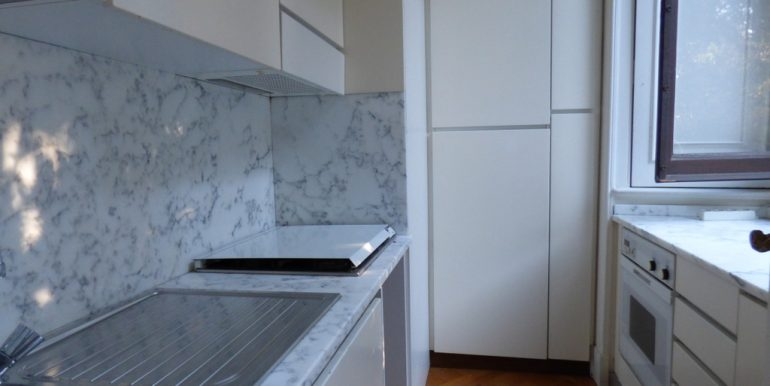 Griante Apartment - kitchen