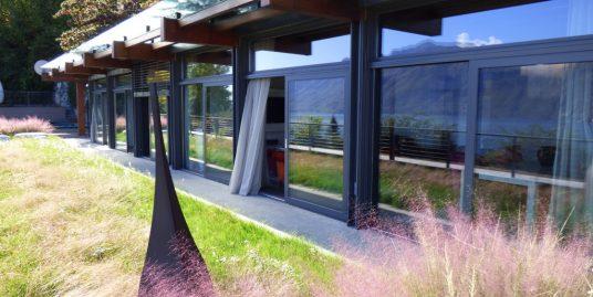 Modern apartment Menaggio with Lake Como view