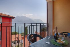 Apartment San Siro with Lake Como view and terrace